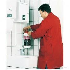 Очиститель для рук чистит и защищает одновременно